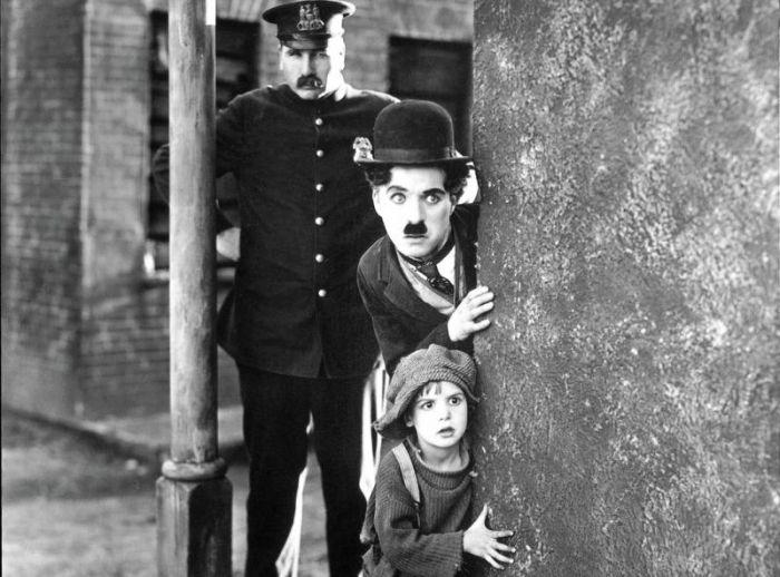 Pokaz filmu BRZDĄC Charliego Chaplina z muzyką na żywo zespołu ORANŻADA w ramach 30. Jubileuszu Akademickiego Centrum Kultury UG ALTERNATOR