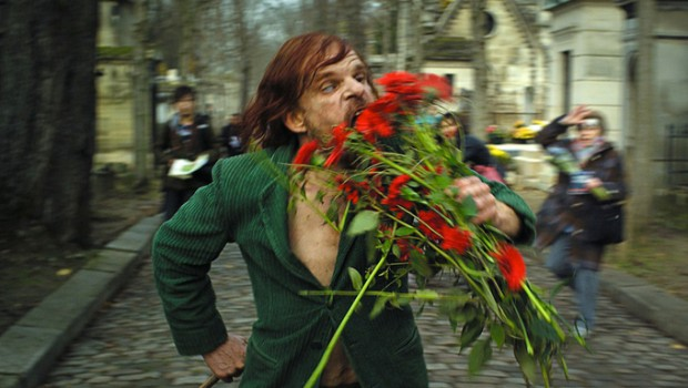holy-motors-red-flowers-620x350