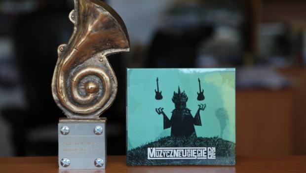 Statuetka i płyta CD MUG 2014
